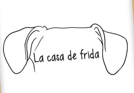1ra Parada; Casa de Frida