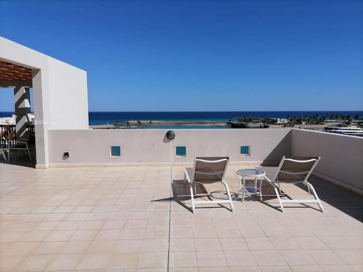 Marina View Two Bedroom Private Terrace & BBQ 301