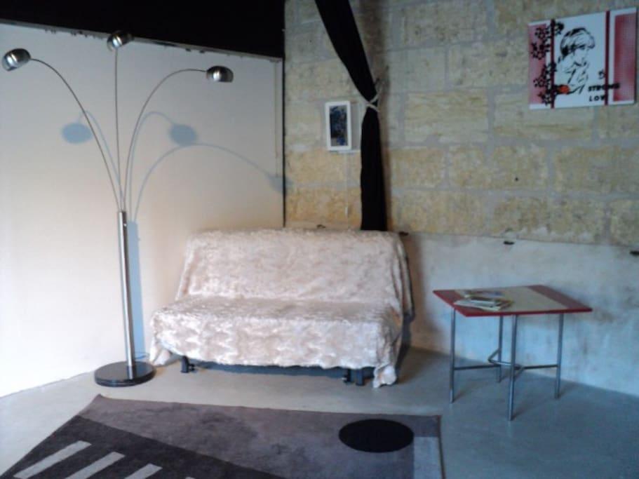 Espace séjour, canapé-lit, spacieux