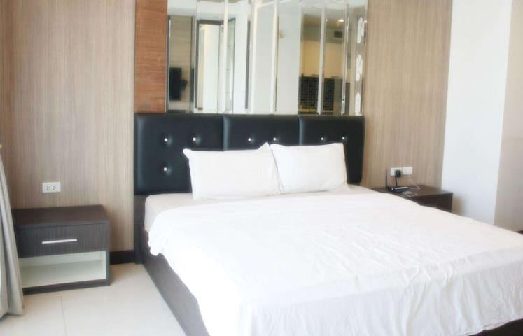 Bright 1 bedroom apartment