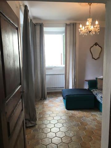 Chambre 2 ou Salon