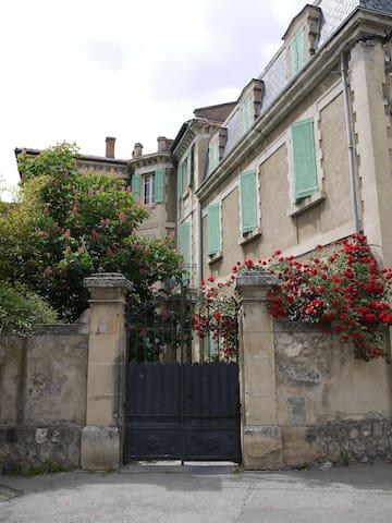 Le portail de la villa BeauSoleil