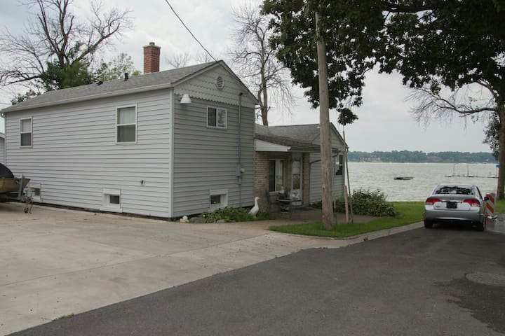 Lake front property - Cedar Lake - Huis