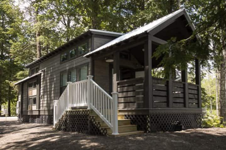 Point Sebago Resort - Designer Cottage-Alexander