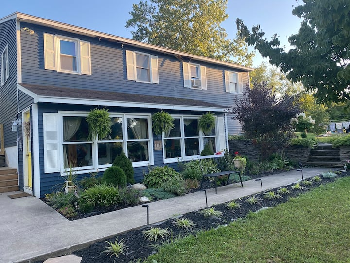 Comfortable home close to Skaneateles and Syracuse