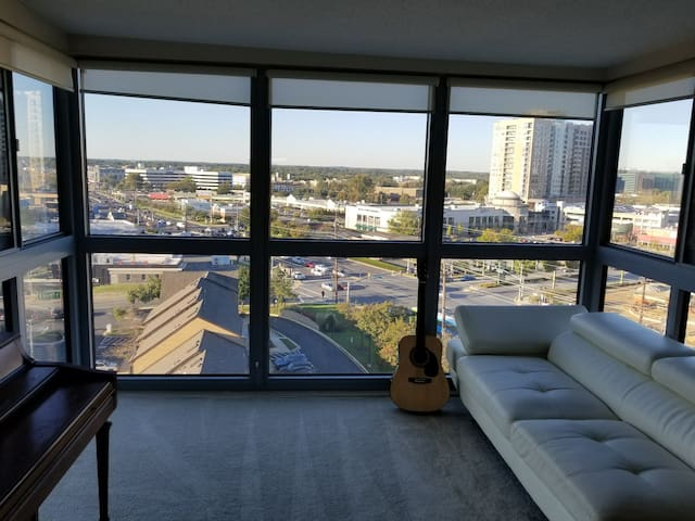 12th floor apartment with excellent views of city!