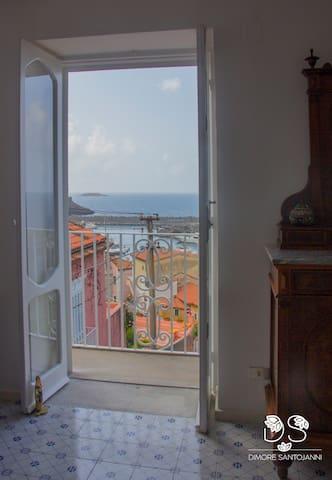 Dimore Santojanni - La Casa sul Porto | Crivo