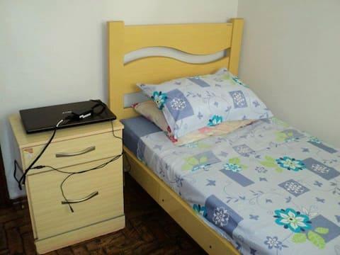 Gimenes Hostel - quarto para mensalistas (Homens)
