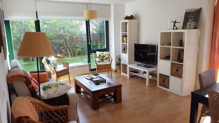 Vacational Apartment with private garden, Novales - Novales - Apartment