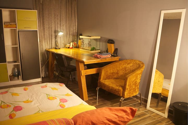 Big home and Exciting room in Taksim((İstiklal)