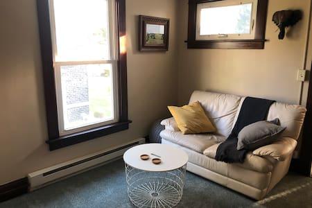 Contractors Hide Away - 1BR Apartment Home, TV