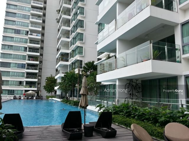 Cozy private room situated in modern condominium - Singapore - Osakehuoneisto