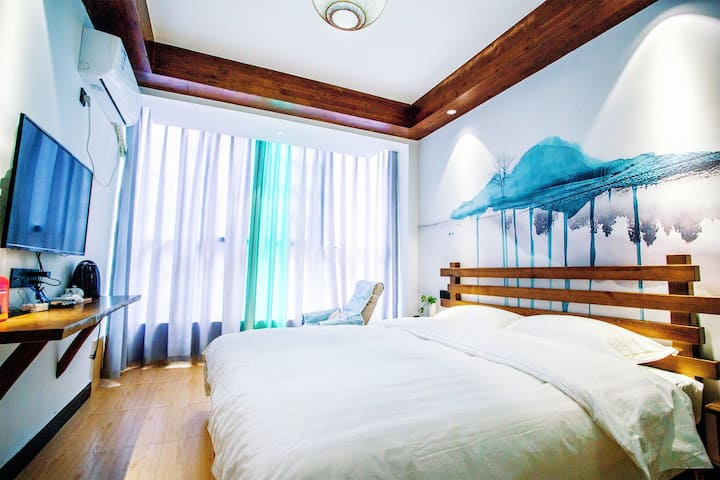 onehouse一个艺术客舍/大床/躺椅发呆/茶室/新中式风格/免费接站/近天门山火车站
