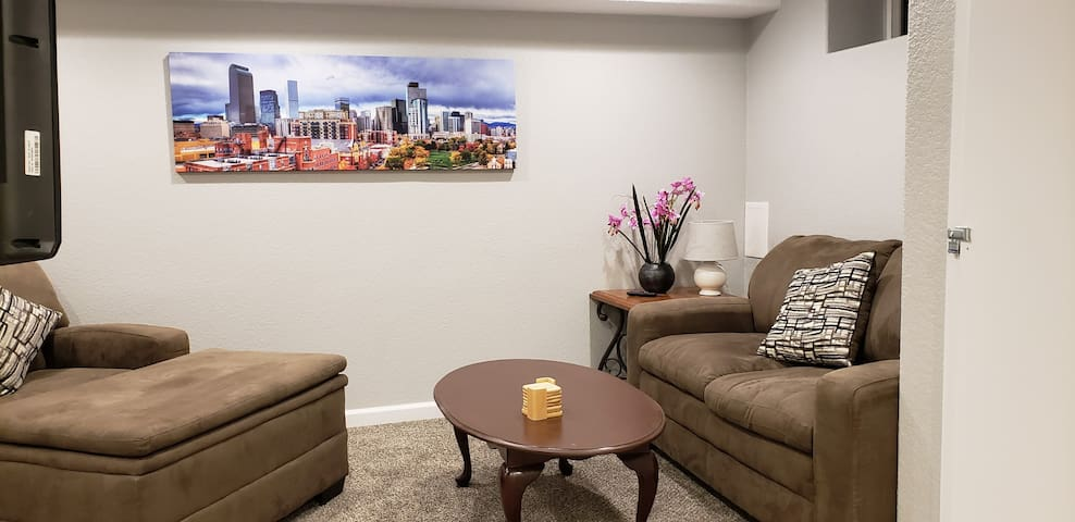 Private Basement Apt- Close to DU/Downtown/S Pearl