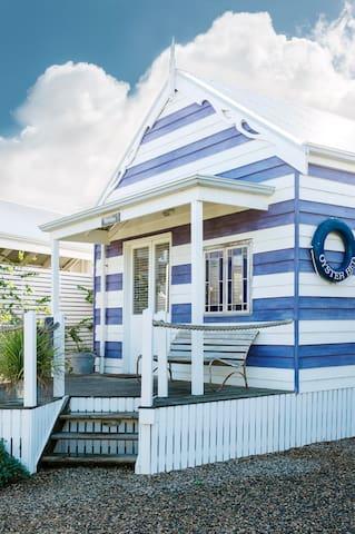 Beach Huts Middleton - Henley Family Hut