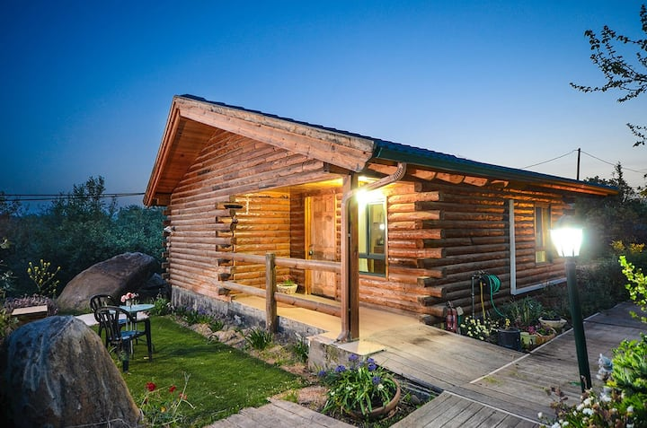 Romance in the cabin Amatist רומנטיקה בבקתה אמטיסט