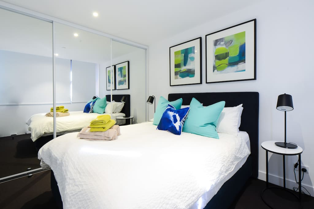 """This apartment is lovely, clean, stylishly furnished & very relaxing. The communication from the hosts was outstanding"" - David May 2017"