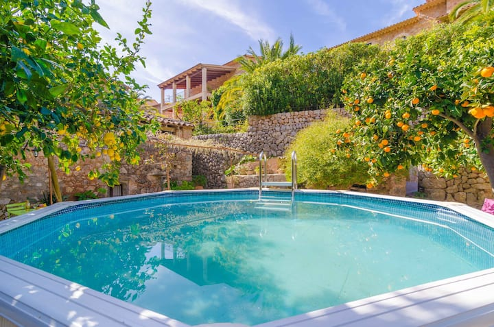 ES POADOR - Chalet with private pool in FORNALUTX. Free WiFi