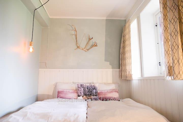 Scandinavian Sleepover -Cosy Double Room- Ersfjord - Tromsø
