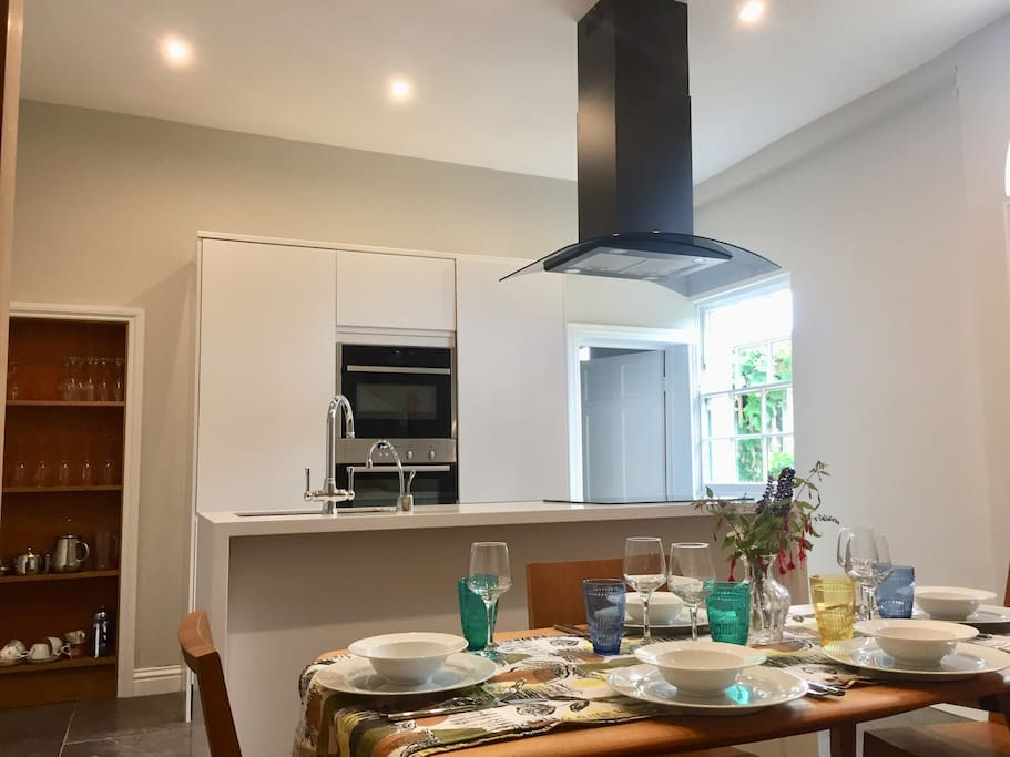 The kitchen with dining area for 6 comfortably