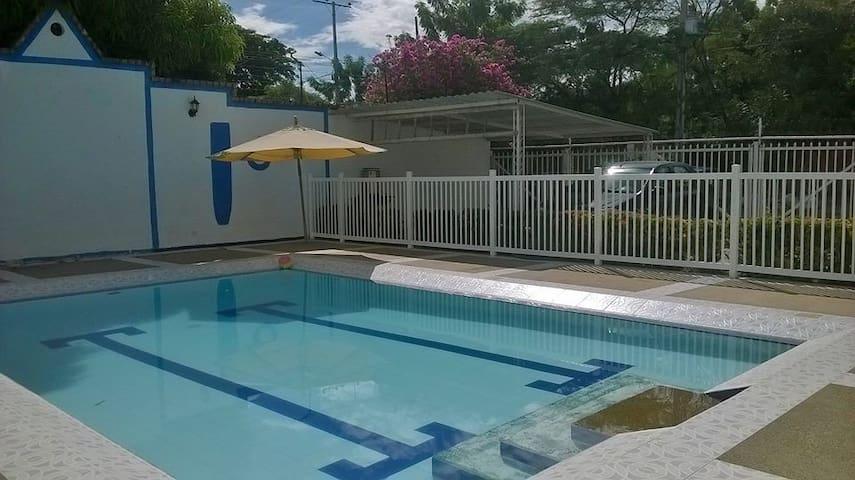 Casa de descanso en Girardot - Girardot - House