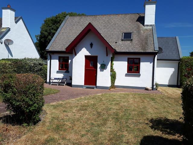 Fethard-On-Sea, Holiday Cottage near Beach/Village