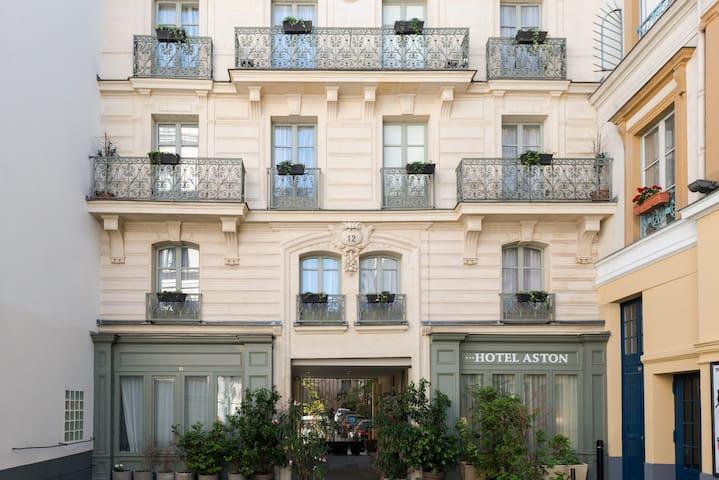 ASTON HOTEL PARIS