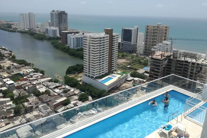 Cartagena la fantástica, terraza con vista al mar