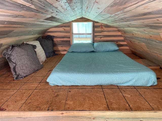 Full bed in the West loft