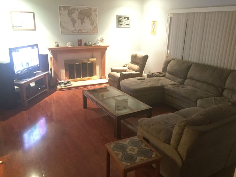 Large Wrap Around Couch w/Lazy Boy. Wifi and Cable Included