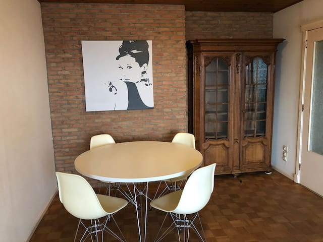 Two bedroom apartment (4 persons) Leuven