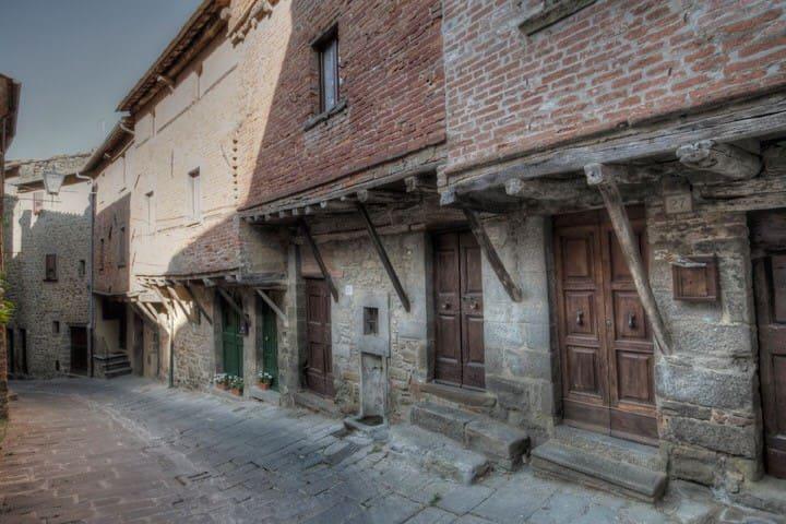 La casina nel vicolo,nel centro storico di Cortona