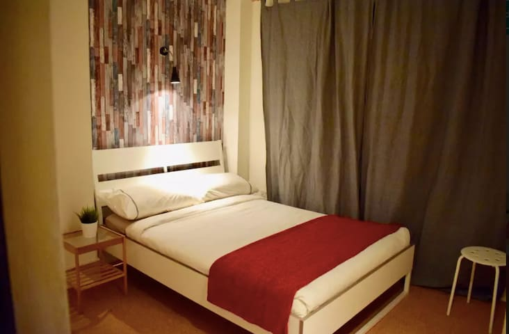 Nice double room @ the heart of Temple Bar!