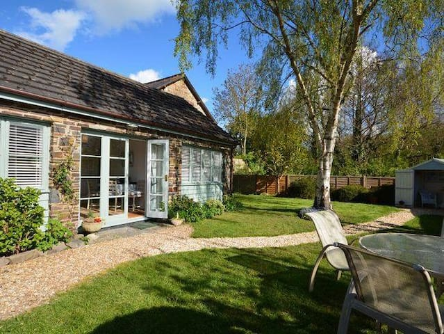 Old Manor Cottage - Landkey