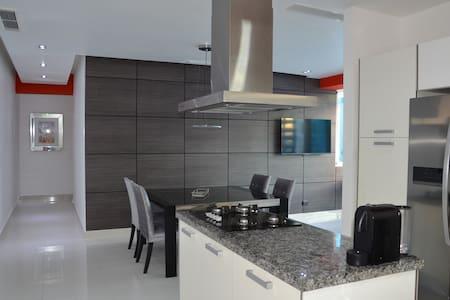 Amazing  Apartment with Sea view - Sant Domènec - Pis