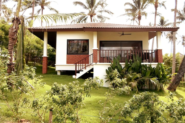 Lovely Villa for Family 2 Bedrooms in HuaThanon