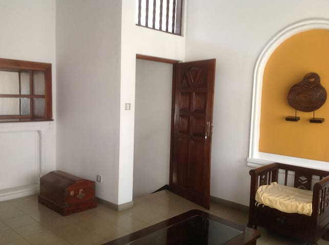 Clean, secure apartment with a cozy atmosphere. - Colombo - Daire