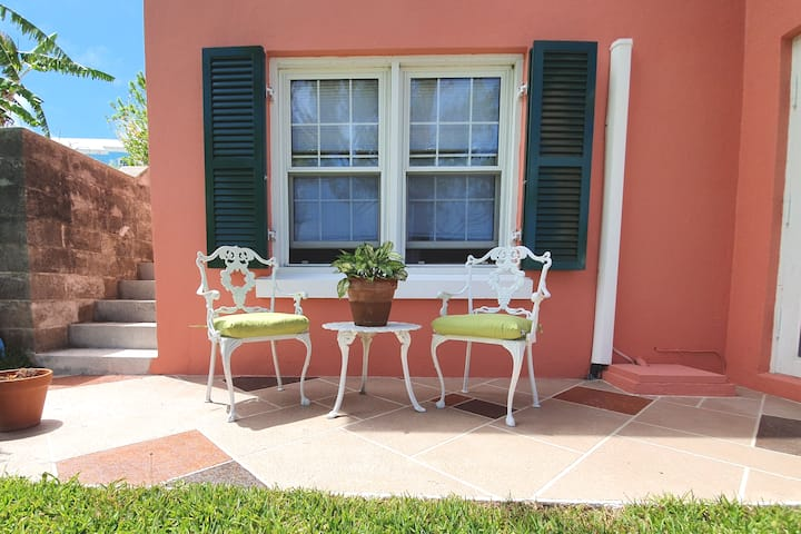 Garden 1 Bedroom, close to Beach & Attraction