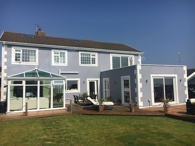 Stunning House. Single Room; Swansea and Gower