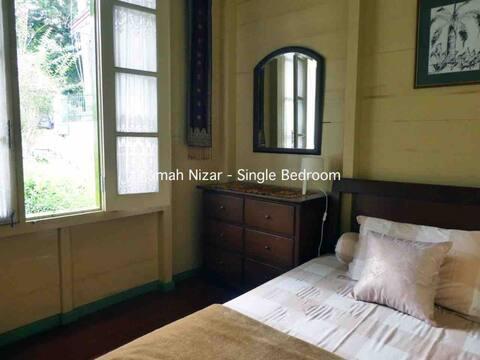 Rumah Nizar - 1BR (next to Ngarai Sianok)