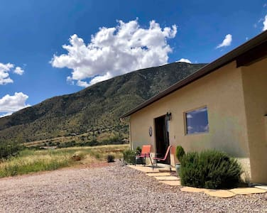 Huachuca Cottage, a Healthy Haven w/hi-speed WiFi