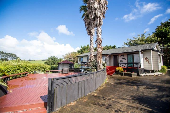 Waiuku Serene Farm & Home, Castaways, Awhitu