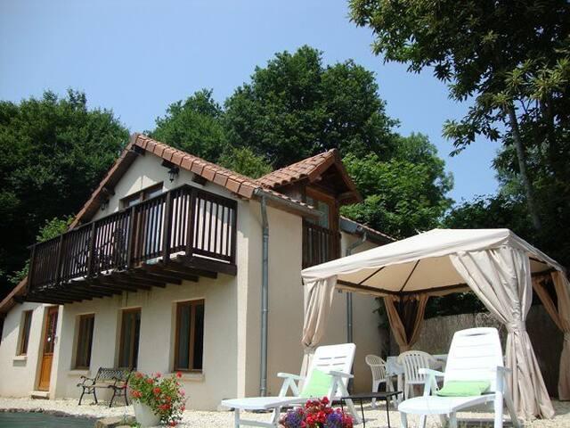 Detached Cottage In Savignac Ledrier, Dordogne