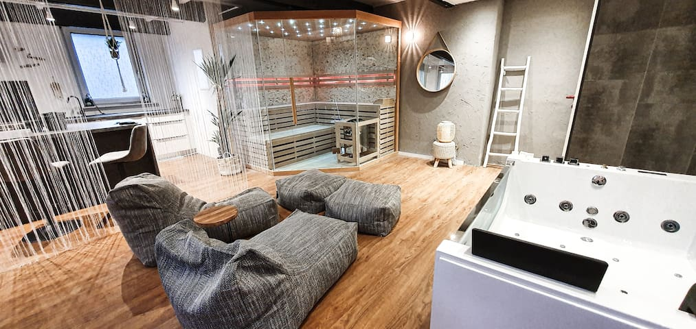 "Luxurious Loft ""Timeout"" with private spa"