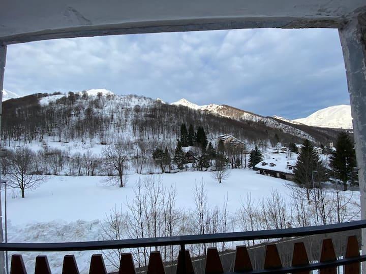 Grazioso appartamento con vista  sulla montagna