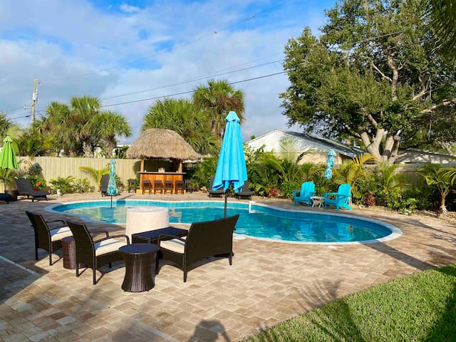 Adorable Cocoa Beach House-Private-Heated Pool