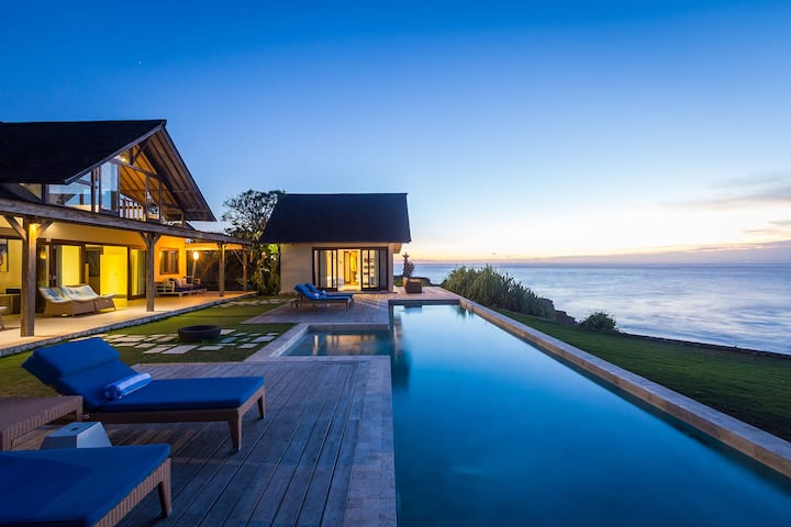 Spectacular one bedroom couples villa