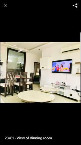 Beautiful modern flat at sector 17 faridabad