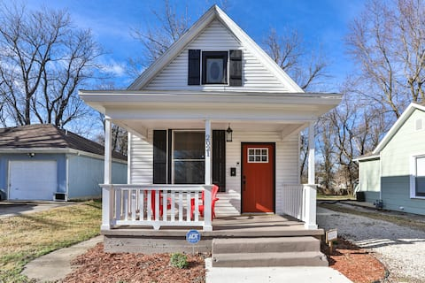 Renovated 100+ year old  Benton Ave. Bungalow