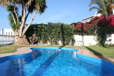Spacious villa with seaview and private pool - Salobreña